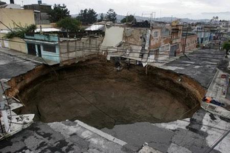 'Hố địa ngục' tại Guatemala vẫn là bí ẩn