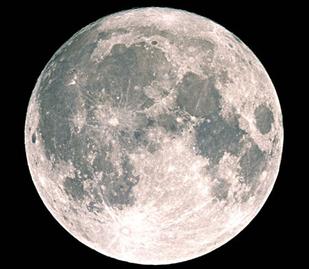 Mặt trăng có nhiều nước hơn chúng ta tưởng