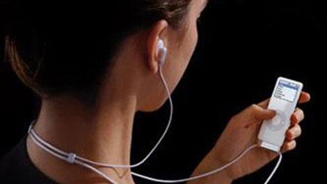 Nghe nhạc từ máy MP3 có thể bị điếc