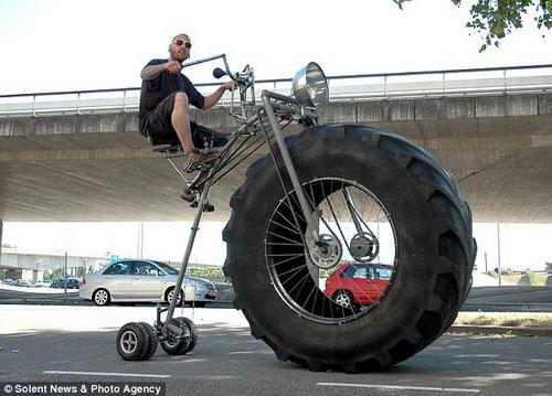 Xe đạp khổng lồ