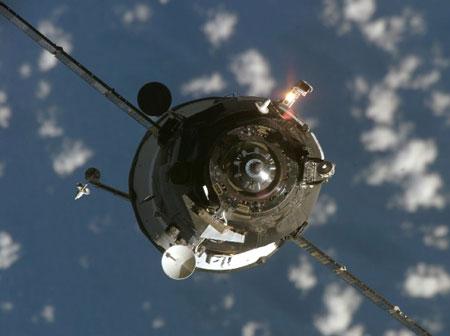 Phi thuyền Nga không kết nối được với ISS