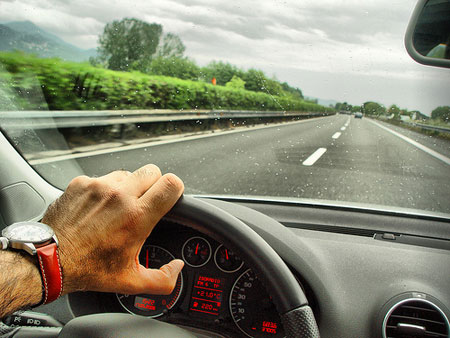Hè là mùa nguy hiểm nhất đối với tài xế