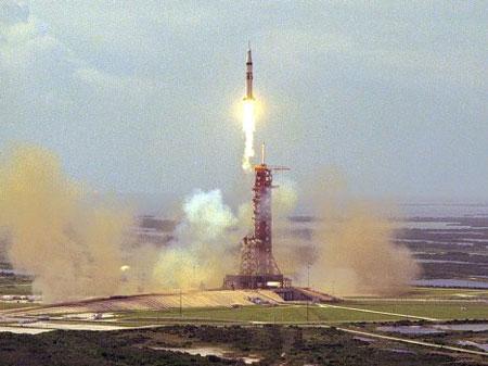 Hình ảnh về ngày Apollo - Soyuz gặp nhau trên quỹ đạo