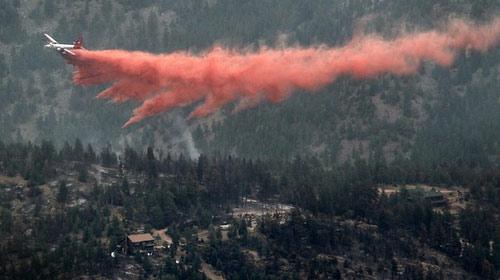 Mỹ: Cháy rừng thiêu rụi 136 ngôi nhà