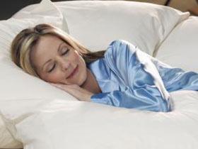 Sức khỏe đời sống-Ngủ để đèn sáng dễ bị tăng cân