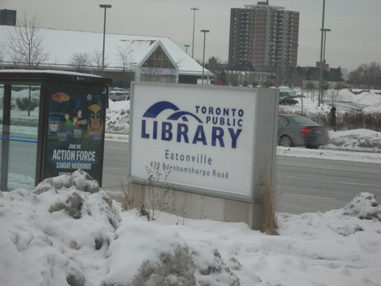 Hàng trăm người tại Canada mắc kẹt do bão tuyết