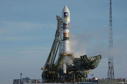 Tàu vũ trụ Nga mất liên lạc vài giờ