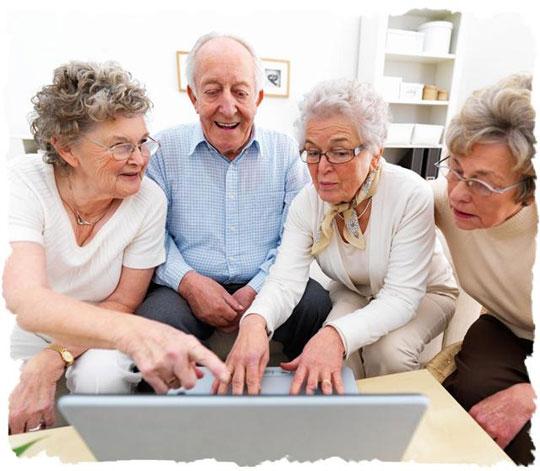 Người già lướt web hợp lý sẽ giúp... tăng tuổi thọ