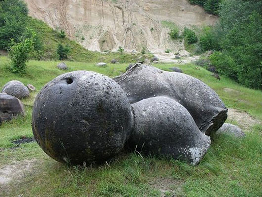 Kinh ngạc loại đá tự lớn lên, phình to
