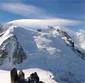 Lở tuyết và mưa bão xảy ra tại một số nước châu Âu