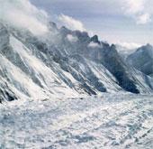 Các sông băng trên Himalayas bị khuyết dần trong 40 năm qua
