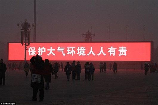Dân Trung Quốc đón bình minh trên màn hình LED