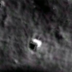Dấu vết người ngoài hành tinh trên mặt trăng?