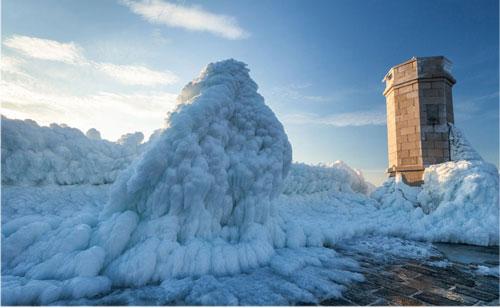 Sóng đóng băng ở Croatia