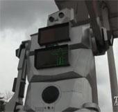 Video: Robot thay thế cảnh sát và đèn giao thông
