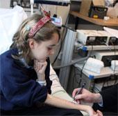 Phương pháp mới điều trị dị ứng đậu phộng ở trẻ em