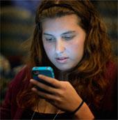 Điện thoại di động đẩy lùi tiến hóa loài người