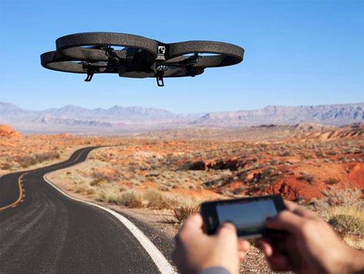 Máy bay không người lái trang bị camera