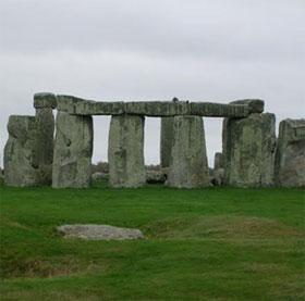 Tìm ra nguồn gốc của những khối đá xanh ở Stonehenge?
