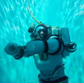 Bộ đồ hỗ trợ lặn sâu