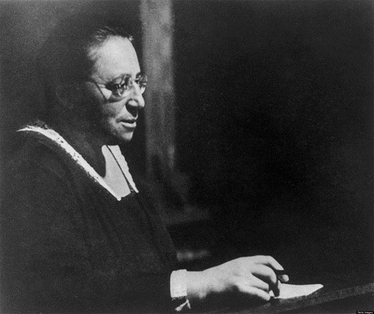 Emmy Noether - nữ hoàng toán học