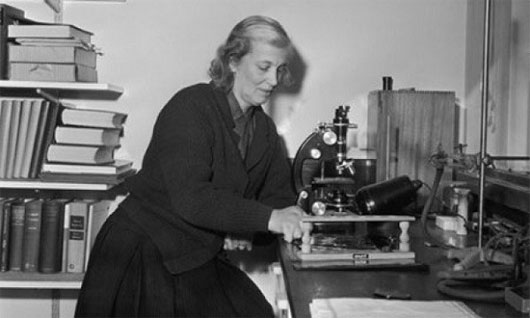 Bà nhận giải Nobel năm 1964 nhờ phát hiện ra cấu trúc của B12
