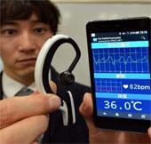 Nhật thử nghiệm máy tính đeo tai