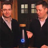 Video: Máy giúp biến nước thành rượu vang trong 3 ngày