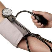 Đo áp huyết cả 2 tay giúp phát hiện sớm bệnh tim