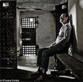 """Thuốc """"bóp méo"""" thời gian khiến tù nhân thụ án 1.000 năm"""