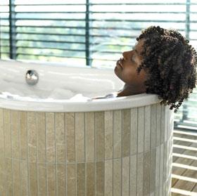 Những điều nên tránh khi tắm