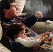 Tác hại khôn lường từ việc hút thuốc thụ động đối với trẻ nhỏ
