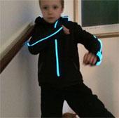 Video: Áo khoác Glowfaster - Áo huấn luyện viên