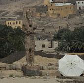 Ai Cập công bố hai tượng pharaoh khổng lồ