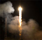 Tàu vũ trụ Soyuz TMA-12M mang phi hành đoàn mới lên ISS