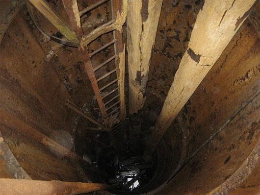"""Các hầm ngập lụt của """"hố tiền"""" này dường như được kết nối với một mạng lưới lớn hơn nhiều chạy ngầm dưới lòng đất."""