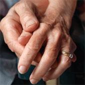 Miếng băng keo thông minh giúp theo dõi bệnh Parkinson