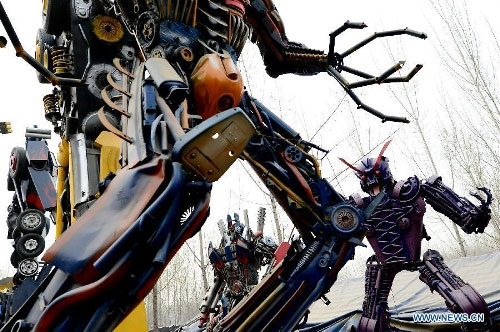 Chế tạo robot từ phế liệu