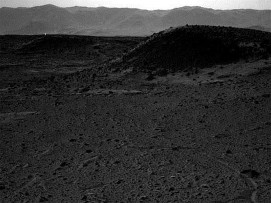 Phát hiện đốm sáng đầy bí ẩn xuất hiện trên sao Hỏa