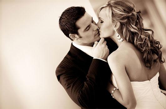 """Phát hiện thêm lợi ích """"tình cờ"""" của nụ hôn"""