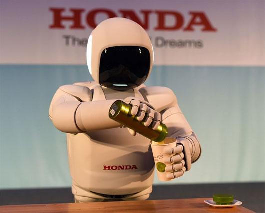 Honda ra mắt robot giống người nhất từ trước tới nay