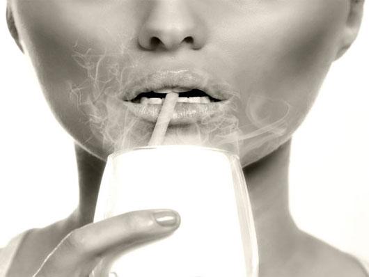 Hút thuốc lá sẽ khiến cho răng bạn ố vàng.