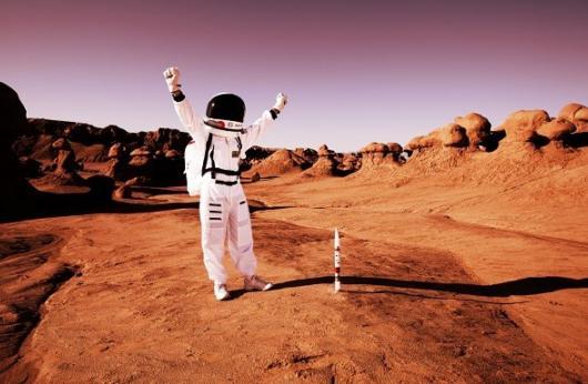 Con người sống được bao lâu khi mặc quần jeans áo phông trên Sao Hỏa
