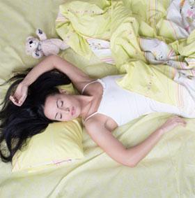 """7 điều """"điên rồ"""" xảy ra trong khi bạn ngủ"""