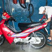 Lưu ý gì khi đi xe máy mùa hè?