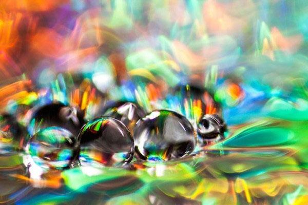 """Hình ảnh """"ảo giác"""" từ những giọt nước chụp cận cảnh"""
