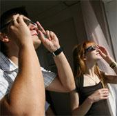 Nhật Bản phát minh kính xác định mức độ mệt mỏi và buồn ngủ