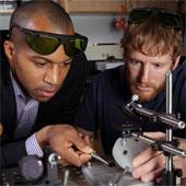 Polime dẫn nhiệt làm mát thiết bị điện tử
