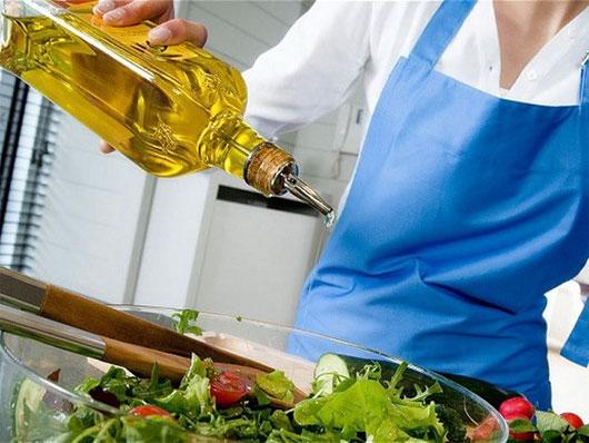 Lý giải nguyên nhân dầu olive có thể giúp hạ huyết áp