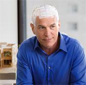 Điều trị ung thư não bằng mũ tạo điện trường xen kẽ